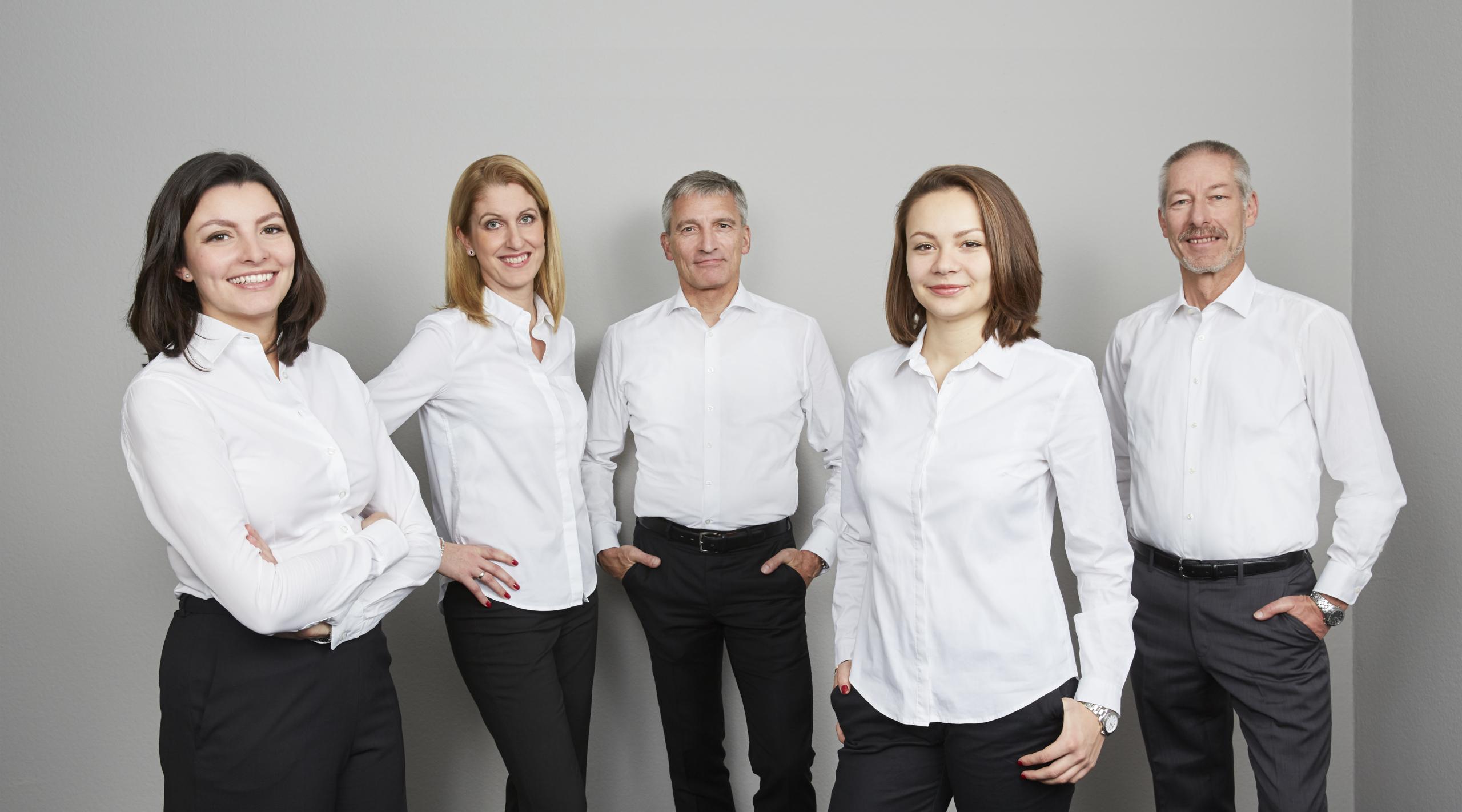 Die Unternehmensberatung in Hamburg und Kiel ist Mitglied im BDU und spezialisiert auf alle Gebiete rund um Strategie, Sanierung und Projektmanagement.